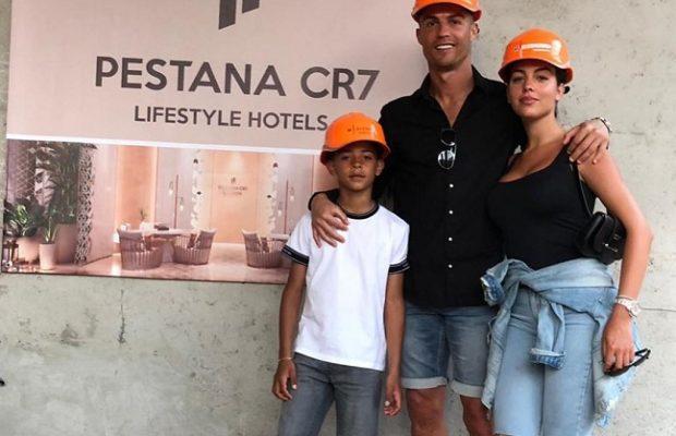 حلو الفن – كريستيانو رونالدو يفتتح فندقه بمراكش المغربية